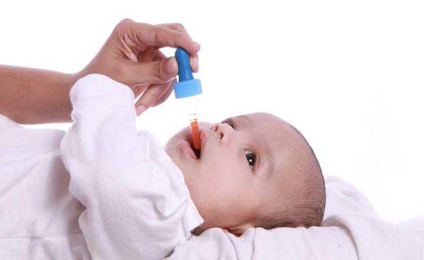 بهترین زمان دادن قطره مولتی ویتامین به نوزاد