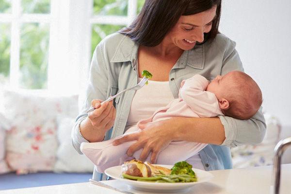 عوارض رژیم لاغری در دوران شیردهی