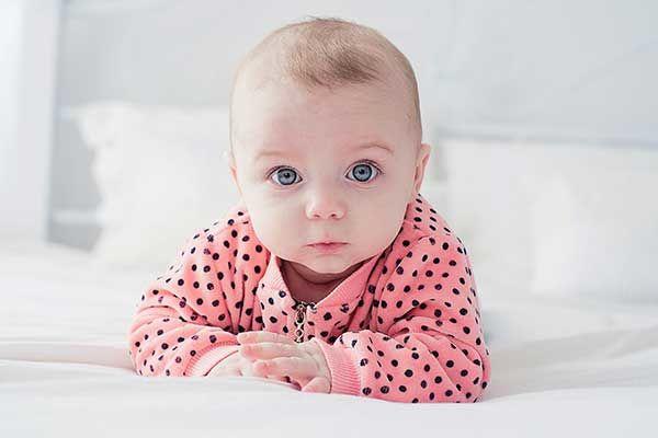 خوردن چه چیزی در بارداری بچه را زیبا میکند؟