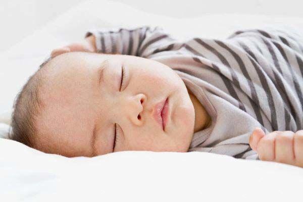 دمای مناسب اتاق خواب نوزاد