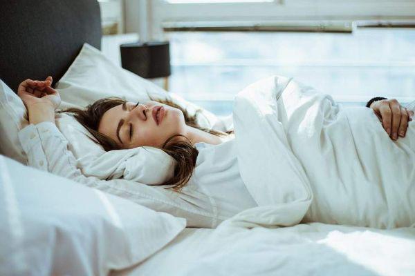 نحوه خوابیدن بعد از سزارین