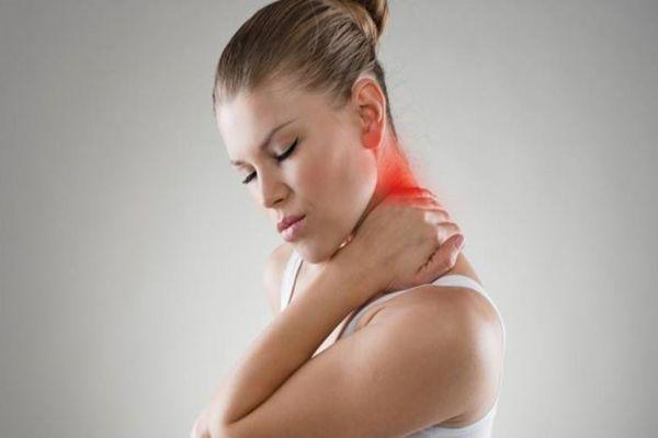 روش های رفع درد گردن در شیردهی
