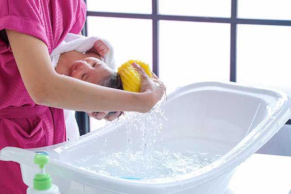 استحمام نوزاد بعد واکسن