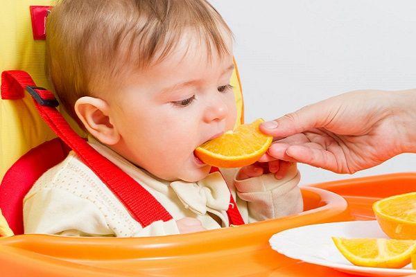 از چه سنی میتوان به کودک پرتقال داد