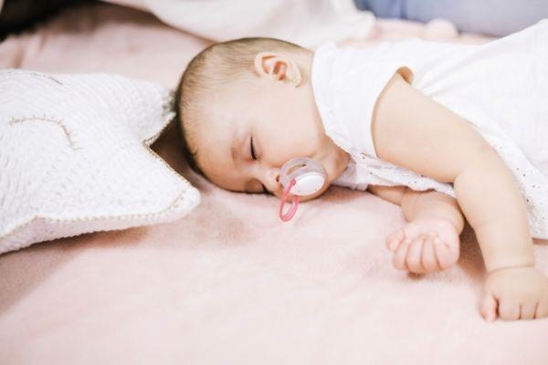 میزان نیاز کودکان شیرخوار به خواب
