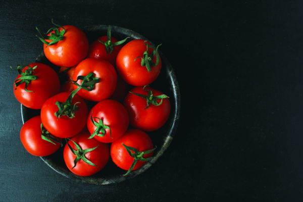 از چه سنی میتوان به کودک گوجه داد