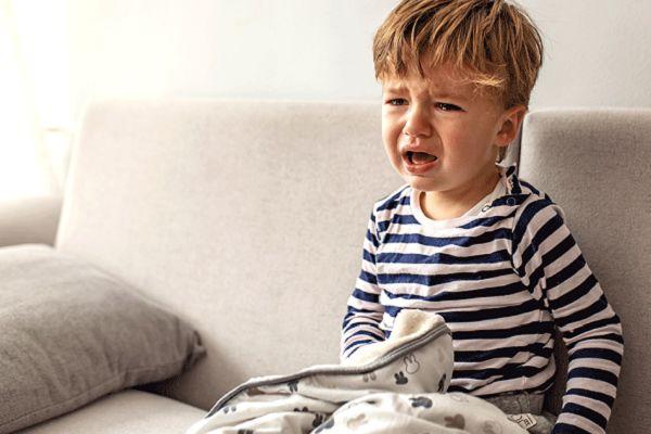 از خواب پریدن کودک با گریه