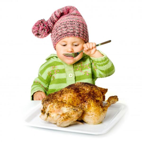 کودک از چه سنی میتواند گوشت بخورد؟