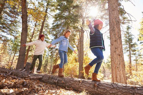 انواع بازی در طبیعت برای کودکان