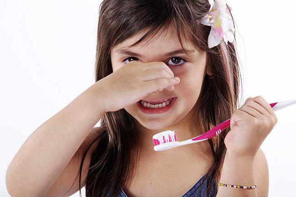 بوی بد دهان کودکان ناشی از تورم لوزهها