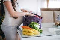 مصرف فولیک اسید قبل و هنگام بارداری